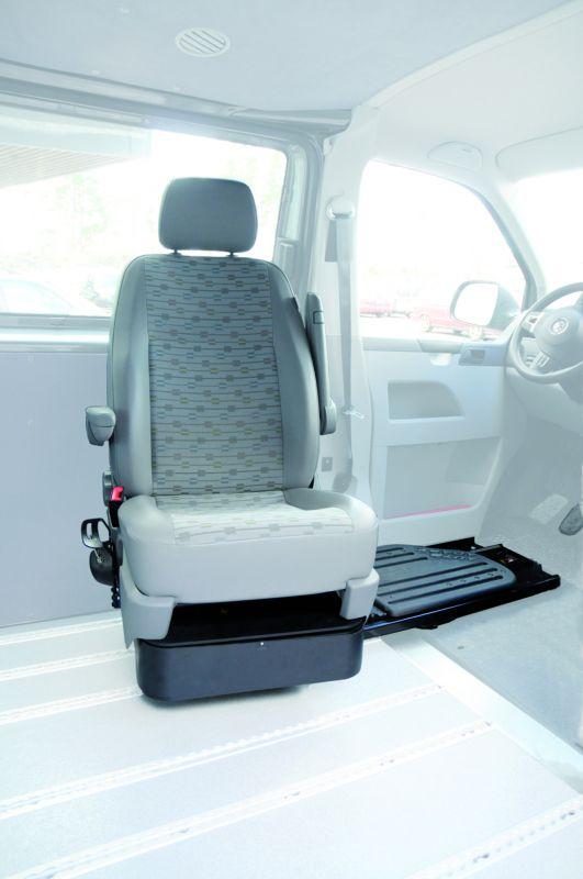 volkswagen t5 multivan caravelle dans r gion paca am nag pour personne handicap e handi mobil. Black Bedroom Furniture Sets. Home Design Ideas