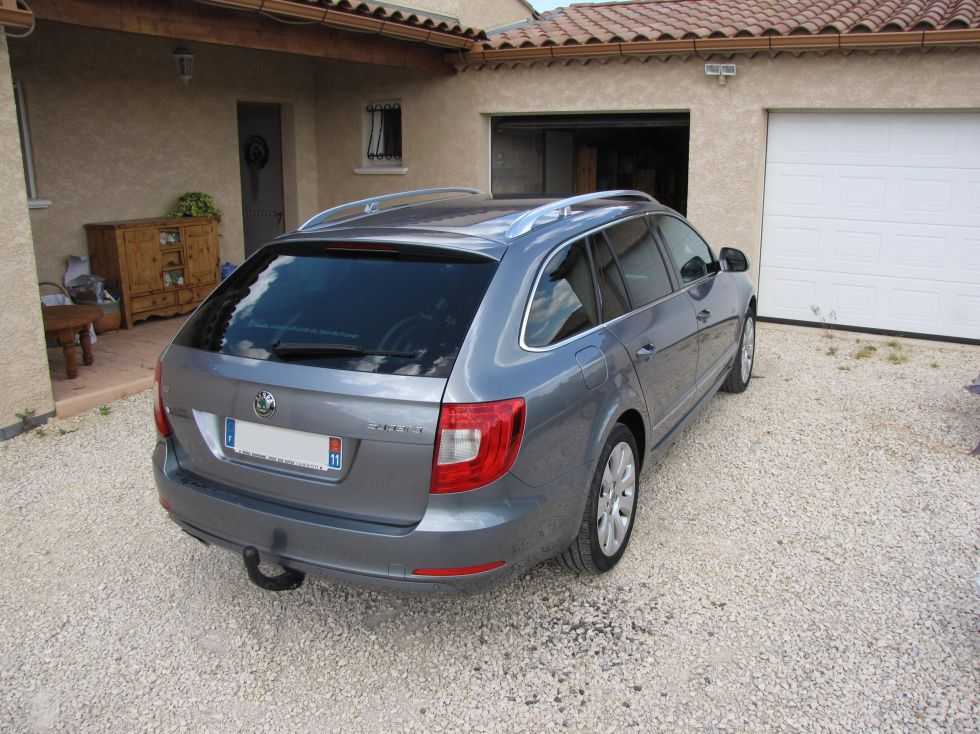 Skoda superb combi handi mobil for Garage skoda 92