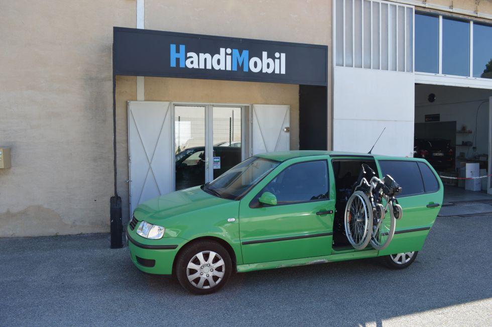 volkswagen polo am nag e pour la conduite et le chargement du fauteuil roulant handi mobil. Black Bedroom Furniture Sets. Home Design Ideas