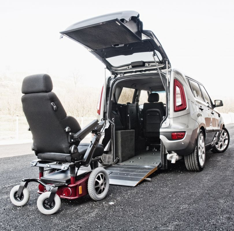kia soul emotion conduire directement en fauteuil roulant handi mobil. Black Bedroom Furniture Sets. Home Design Ideas
