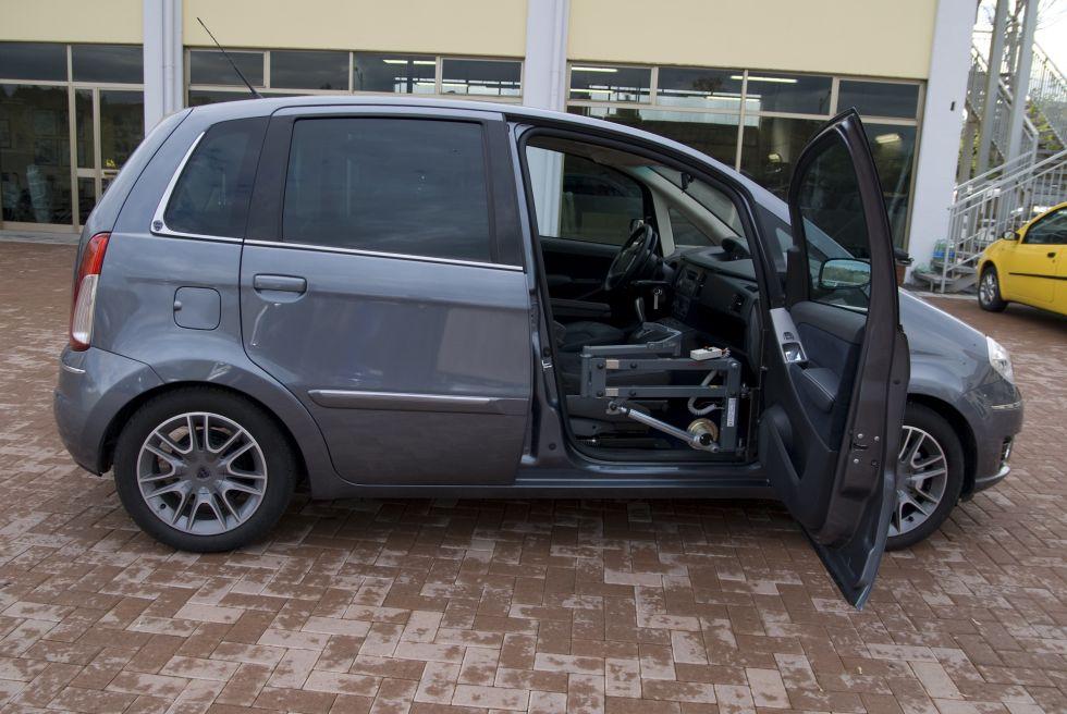 soul ve personne pour voiture solution de transfert de personnes handicap es handi mobil. Black Bedroom Furniture Sets. Home Design Ideas