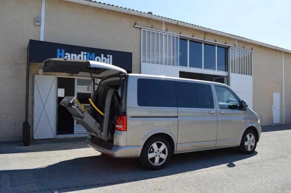 equipement de poste de conduite en fauteuil roulant sur volkswagen t5 transporter multivan. Black Bedroom Furniture Sets. Home Design Ideas